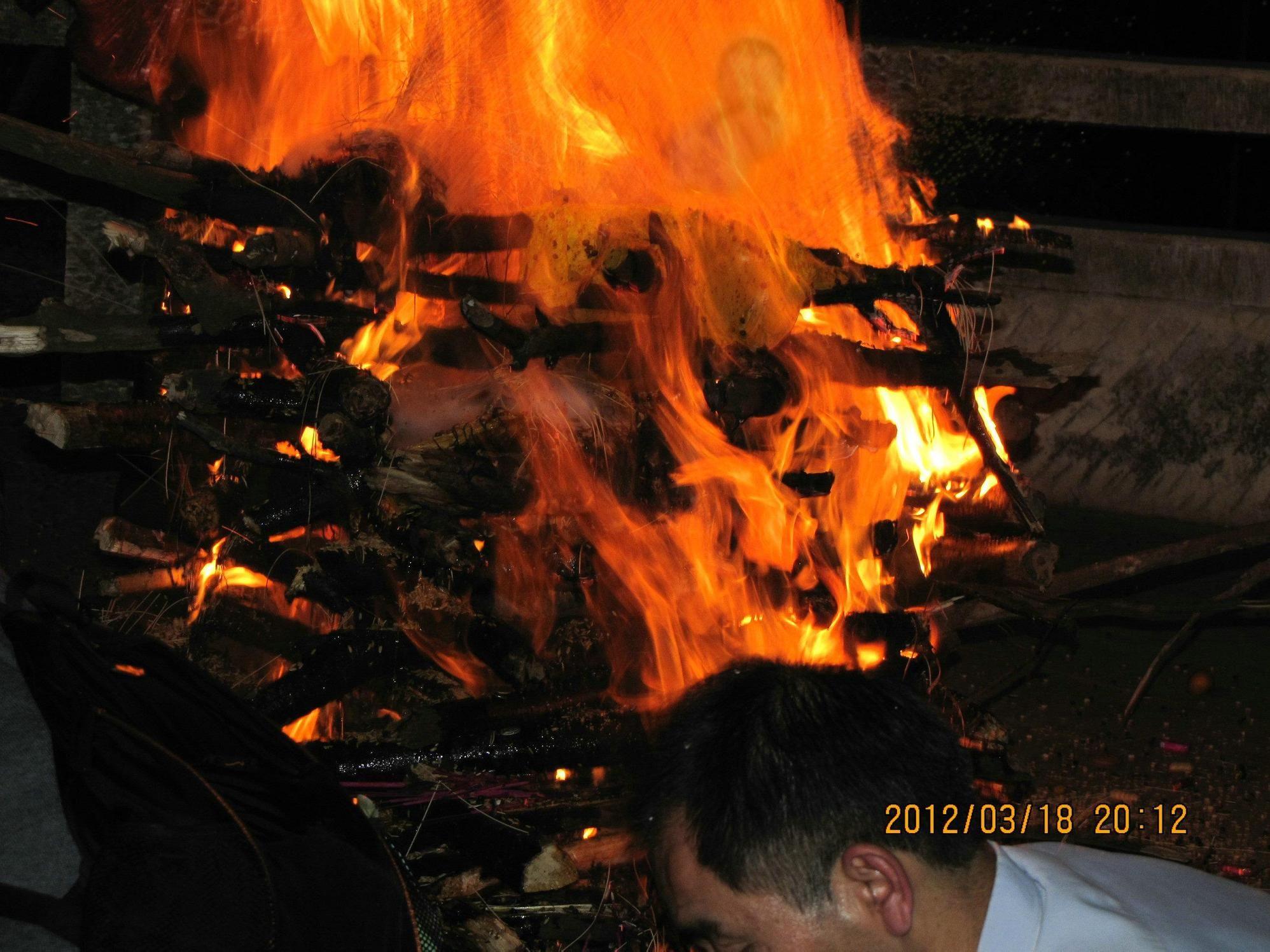 太神奇:达真堪布在广西主持火供现场出现罕见瑞像:两处瑞相清晰的见证了佛陀与婴灵的形象 - 莲池佛地 - 莲池佛地