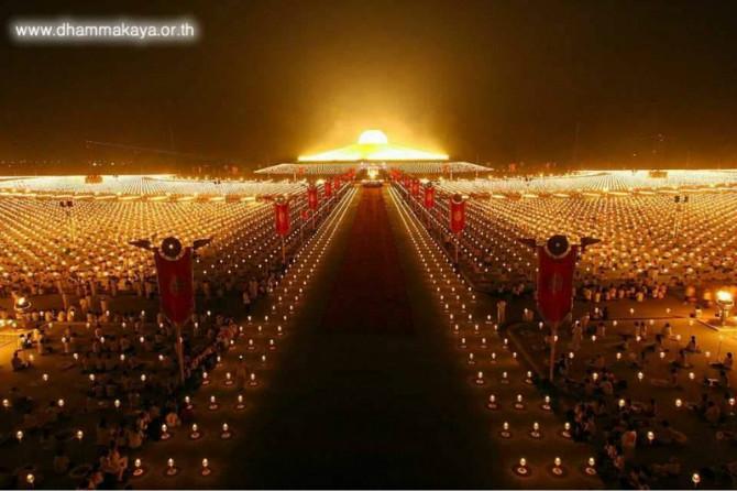 世界上最大的寺院:泰国法身寺(图)