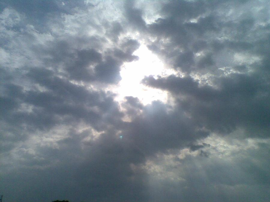 好神奇:祈福放生,天空惊现佛菩萨莲台佛光(图文) - 莲池佛地 - 莲池佛地